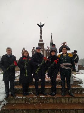 Церемония возложения цветов на мемориале Брилевское поле