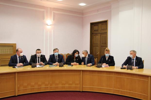 Заседание Постоянной комиссии по здравоохранению,физической культуре,семейной и молодежной политике